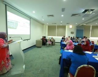 UTM Lenses - Workshop On Redefining Roles Of Future Librarians (2)